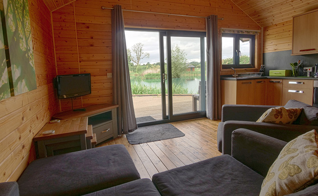 Log Cabin at Blackthorn Fishery